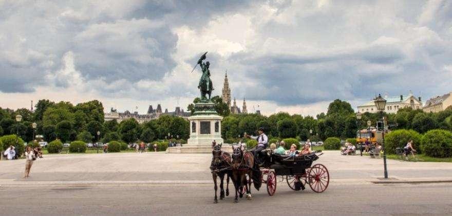 Balade au cœur de Paris... en calèche