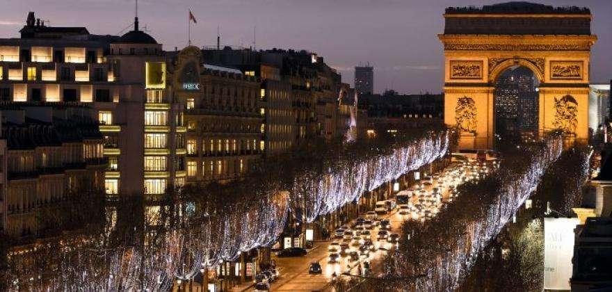 Mythical Paris : explore the legendary capital