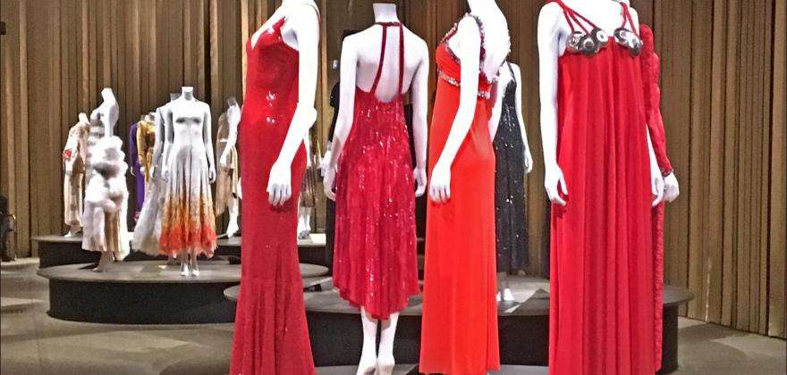The fashion sense of Dalida and arts from all walks of life in Paris