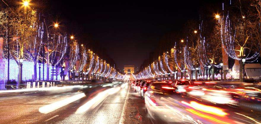 Magical illuminations and fine arts at the Louvre for Christmas