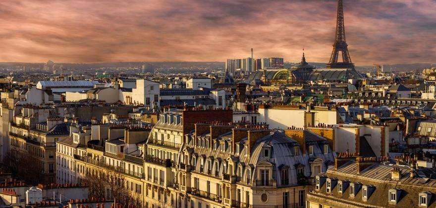 Admirez la Tour Eiffel comme vous ne l'avez jamais vue