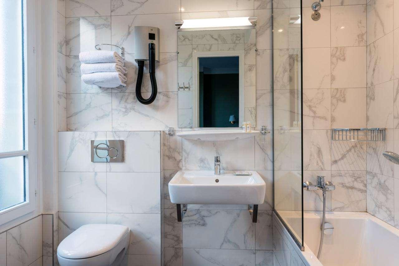 Paris France Hôtel - Chambre - Salle de bain